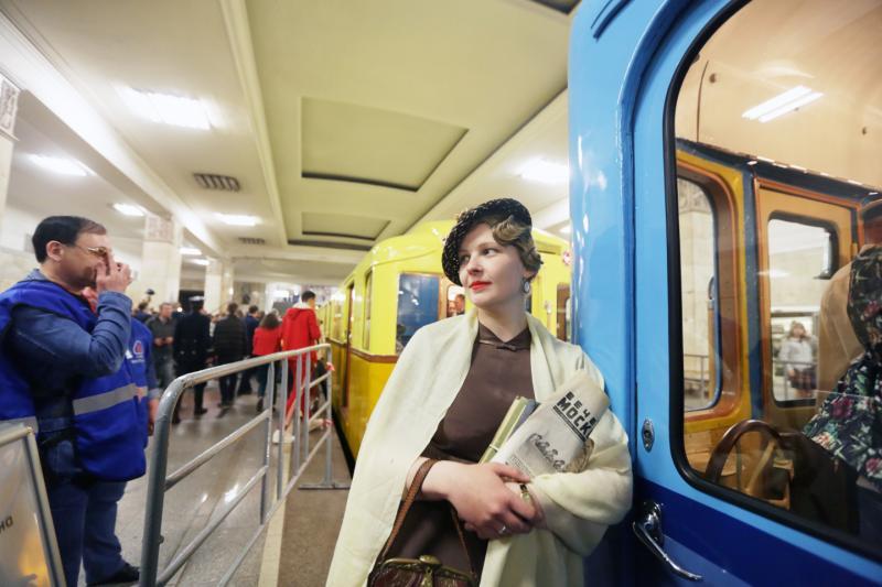 В московском метро проехал ретро-поезд