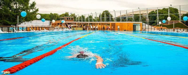В «Лужниках» москвичи 2 мая смогут поплавать бесплатно