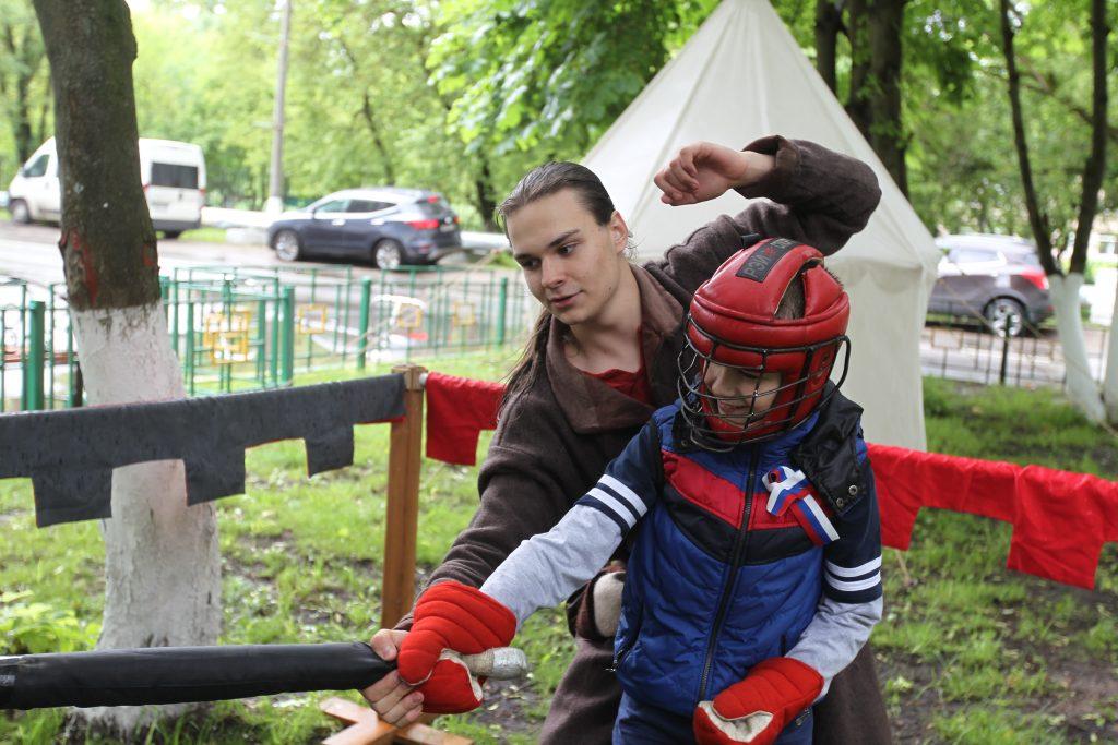 Мишка Веретнов почувствовал себя рыцарем