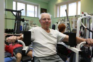 14 июня 2016 года. Троицк. Ветеран Андрей Ольшанский занимается в тренажерном зале каждый день