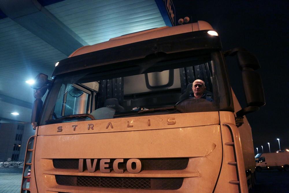 Москвичи смогут пожаловаться дорожным инспекторам на шум от грузовиков