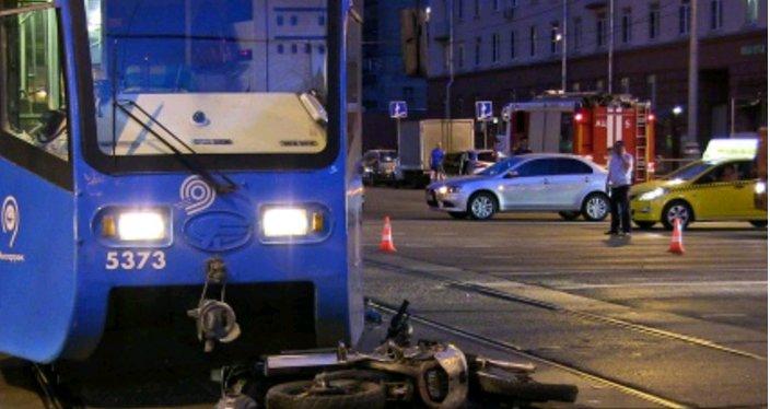 ДТП с участие мотоцикла и трамвая произошло на востоке Москвы