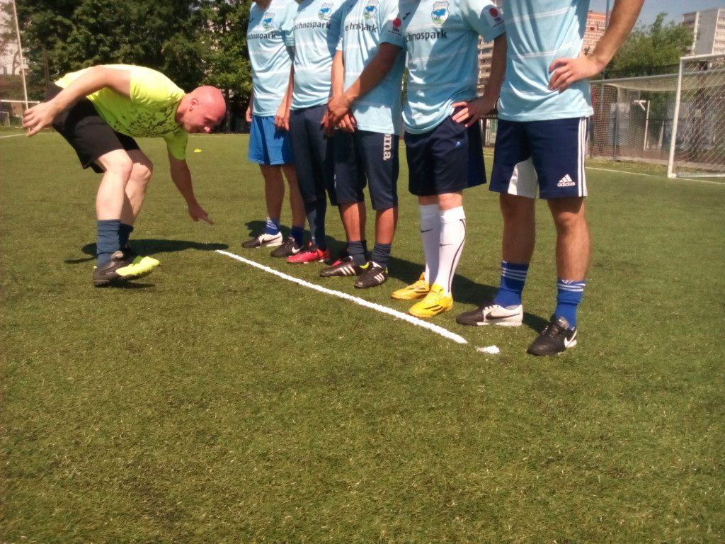 Первый российский футбольный спрей испытали на Открытом чемпионате Троицка