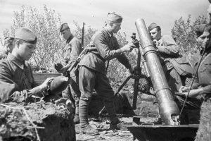 Артиллеристы (Фото предоставлено РИА Новости)