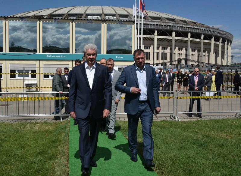 В Москве состоялась церемония закладки памятной капсулы в основание бассейна
