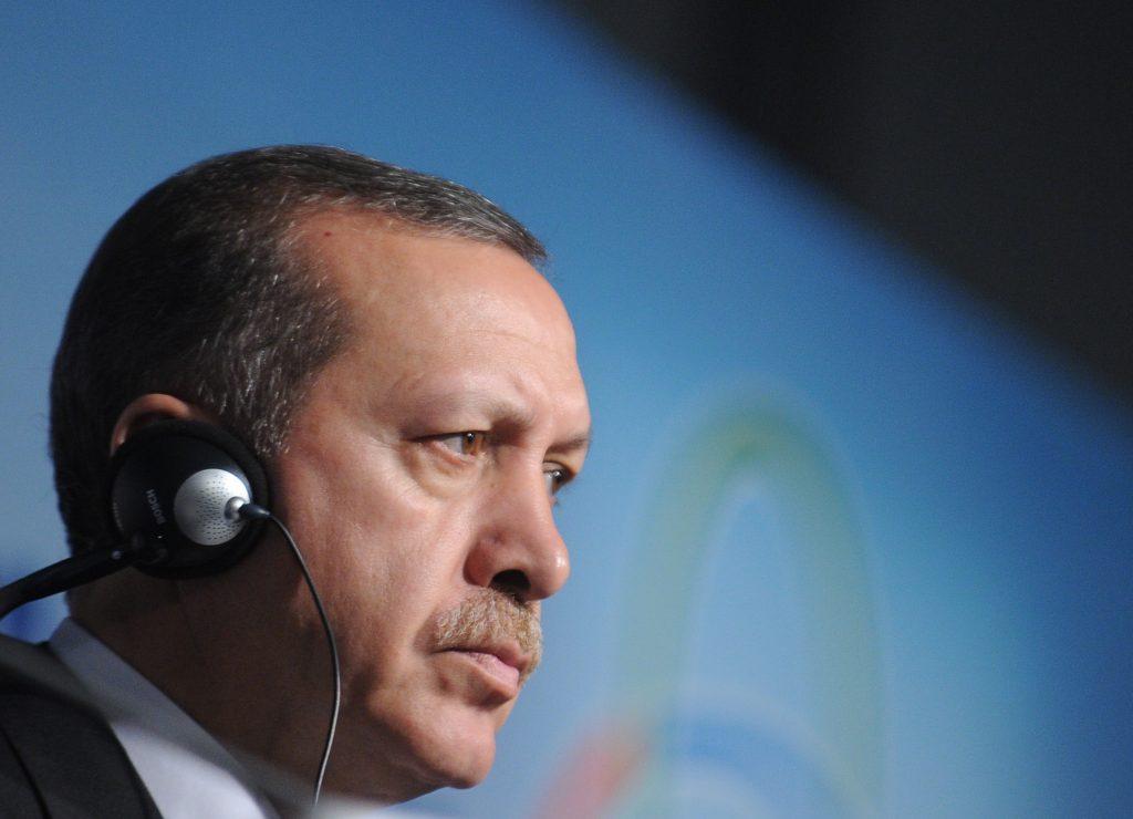 Эрдоган принес извинения Путину за сбитый самолет