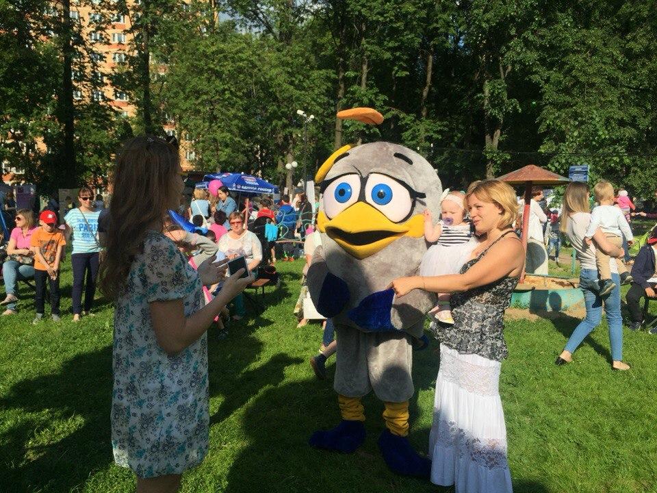 В Сосенском День защиты детей отметили благотворительной ярмаркой
