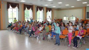 Сотрудники филиала МОЭСК - «Новая Москва» провели занятие по профилактике электротравматизма в летнем оздоровительном лагере «Солнцеград» . Фото: МОЭСК.