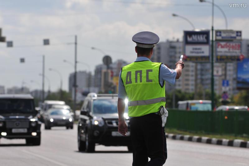 По наклейкам на машинах Госавтоинспекция не будет выявлять водителей-лихачей