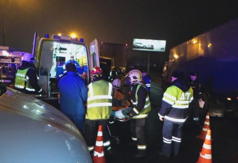 В аварии на МКАД  пострадали четыре человека
