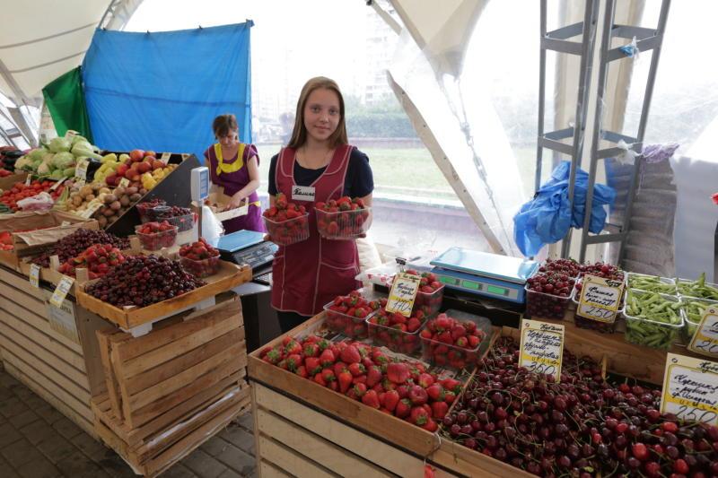 В Москве заработали все точки продажи клубники