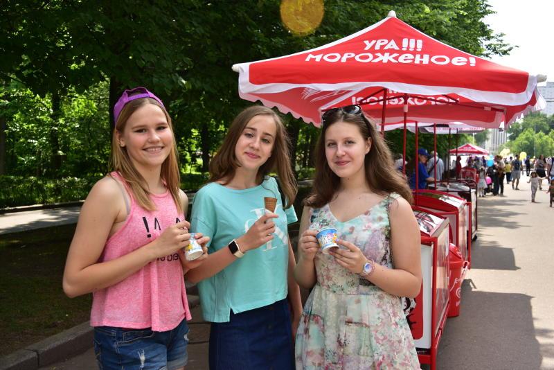 Москвичи съедают пять килограмм мороженого в год