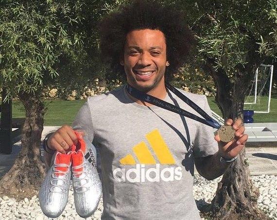 Защитник «Реала» Марсело разыграет свои ботинки в Facebook