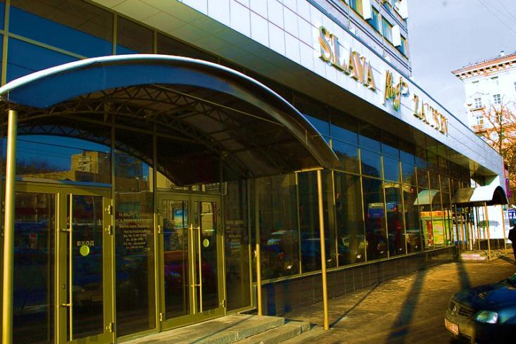 В Доме моды Вячеслава Зайцева опровергли информацию о погибшем мужчине