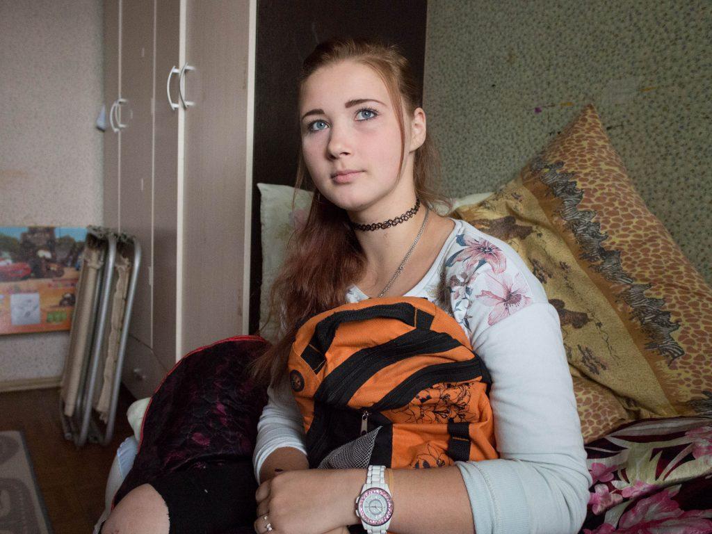 6 июля 2016 года. Щербинка. Аня Панфилова уже дома. На днях ее выписали из больницы