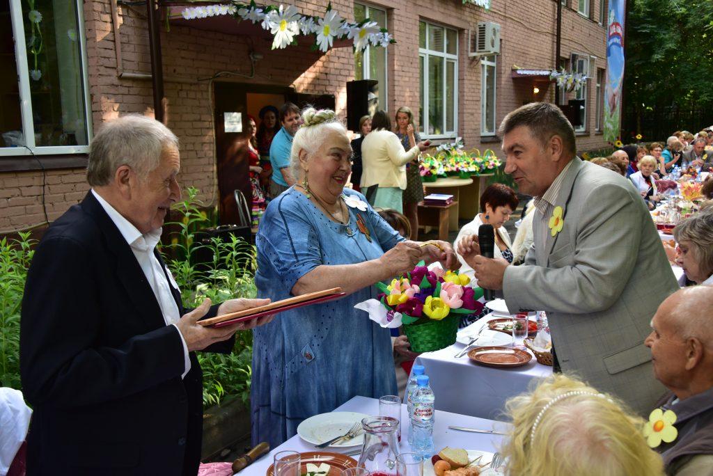 В Москве начали отмечать День Петра и Февронии