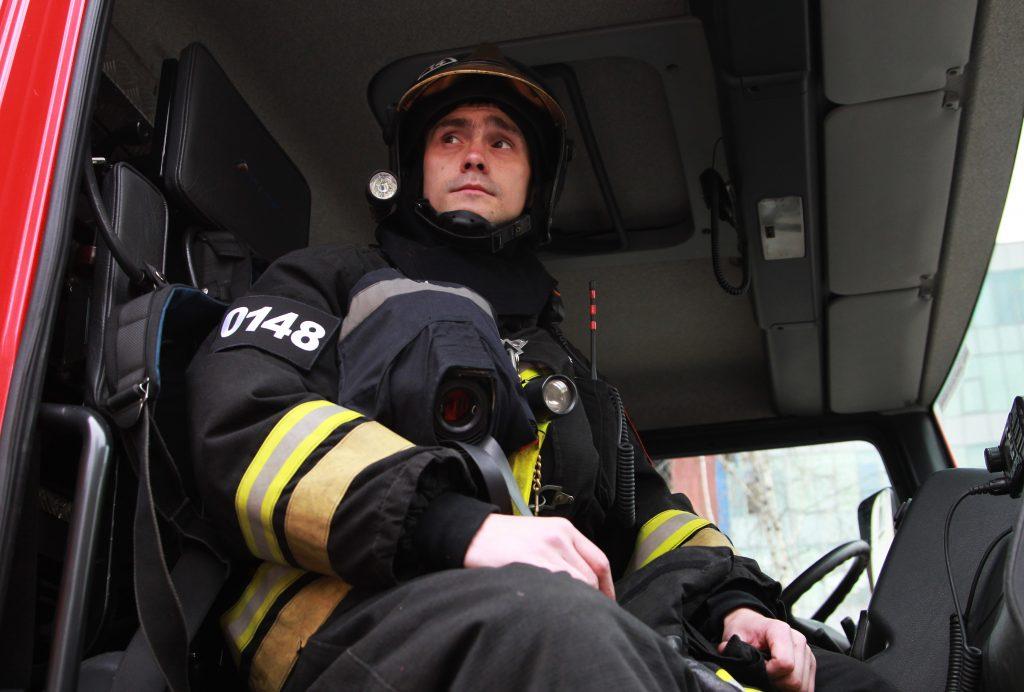 На западе Москвы потушен пожар, где погибли два человека