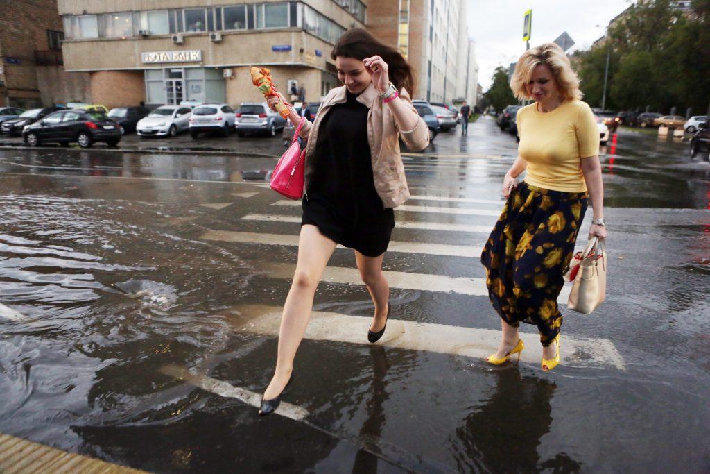 В четверг москвичей ожидает дождь и гроза