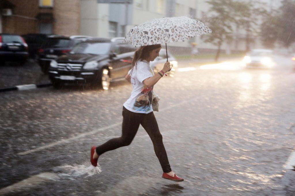 Во вторник Москву посетят дожди и грозы
