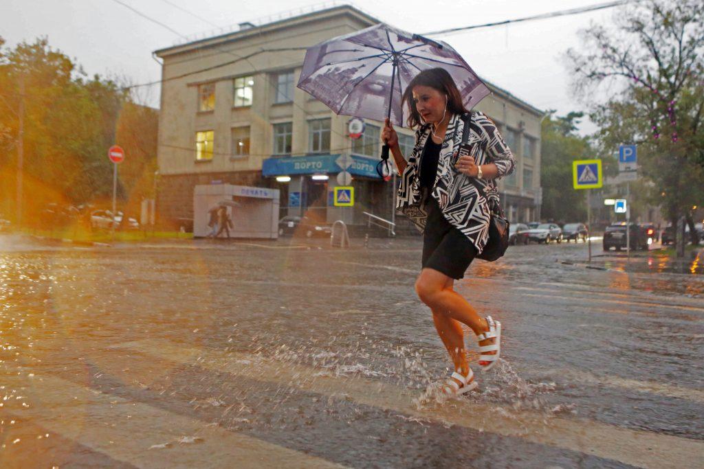 Во вторник москвичей ожидает сильный ветер и гроза