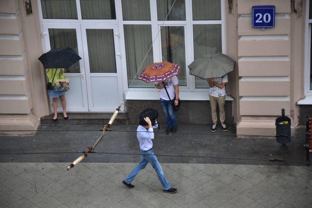 В среду Москву ждет порывистый ветер и грозы
