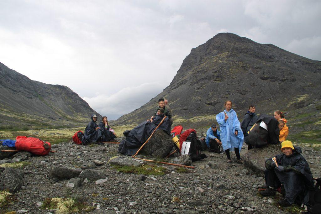 Школьники отправились в поход по Хибинам