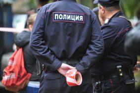 ДТП на западе Москвы. Прицеп врезался в остановку.