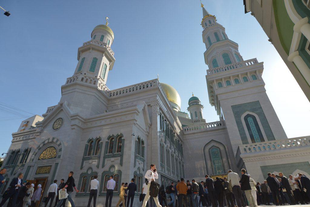 Мусульмане столицы собрались на Ураза-байрам в соборной мечети