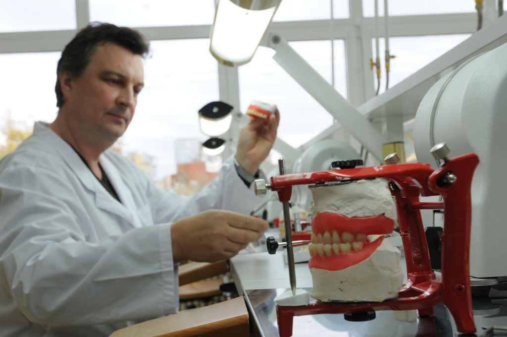 Стоматологии будут работать по участковому принципу