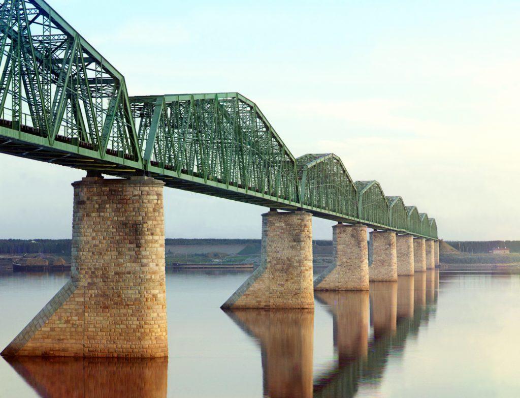 Железнодорожный мост через Каму в Перми. Фото: С. Прокудин-Горский, Википедия.