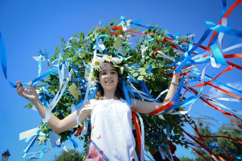 Любовь и русалки: Новая Москва чтит семейные ценности и празднует День Нептуна