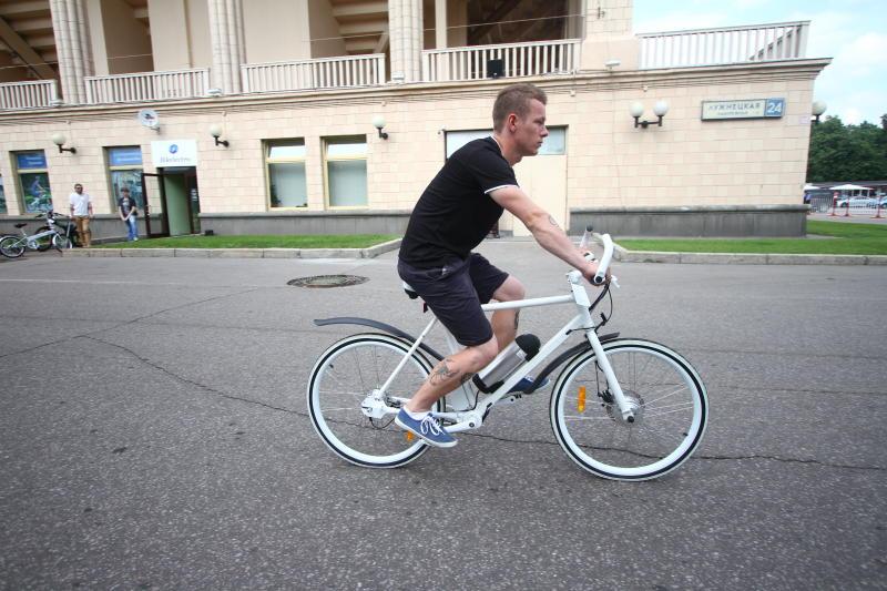 В конце лета велопрокат порадует москвичей электровелосипедами