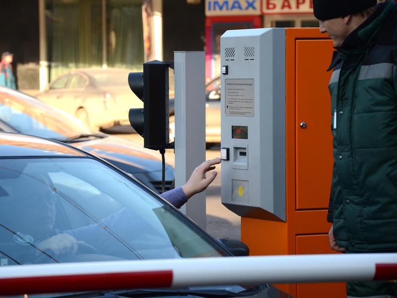 Семь абонементных парковок появится в столице