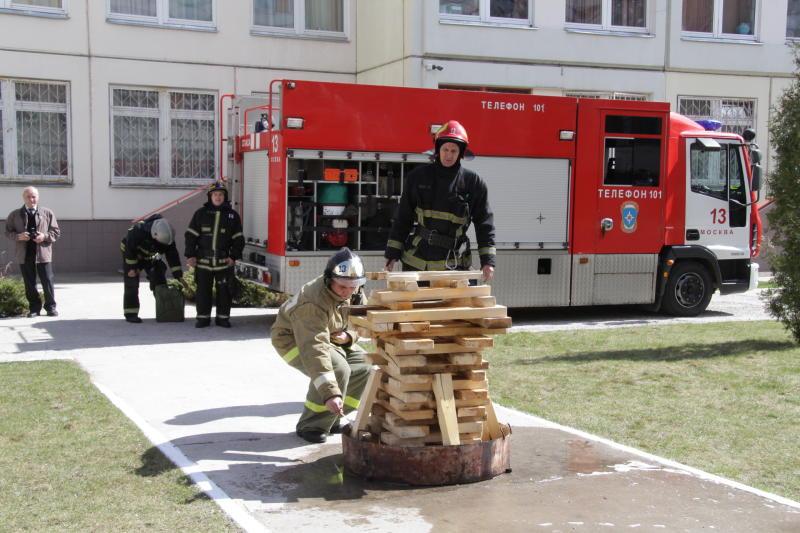 Пожарный надзор отметил 89 лет