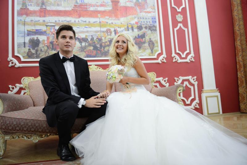 """34 пары поженились в Новой Москве в День семьи. Фото: архив """"Вечерней Москвы""""."""