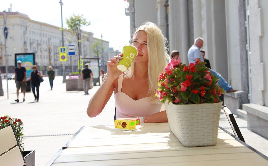 Чашечка кофе с видом на Тверскую