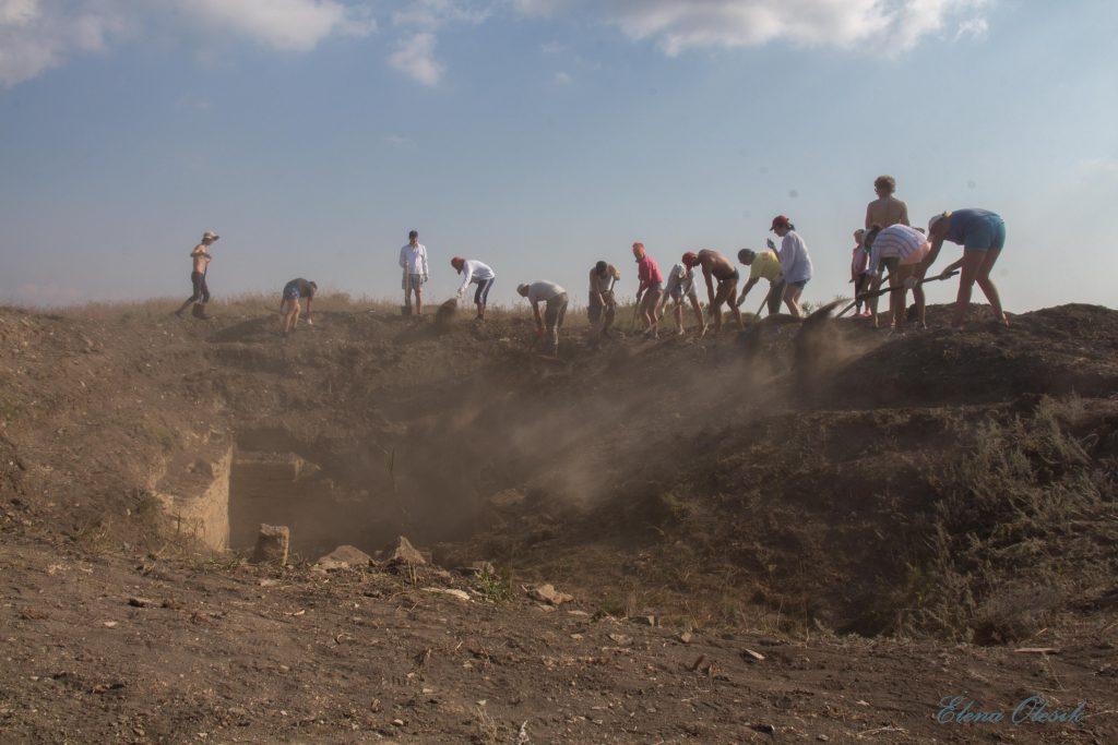 Дата дня: 15 августа – День археолога
