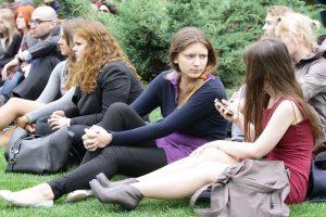 """Уроки немецкого языка в парке. Фото: """"Вечерняя Москва""""."""