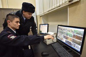 """Сотрудники полиции не нашли взрывных устройств на трех вокзалах. Фото: архив, """"Вечерняя Москва""""."""