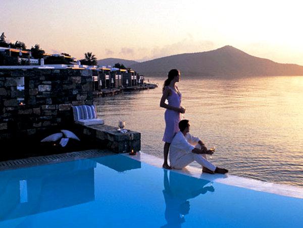 Российским туристам могут позволить платить рублями в Турции