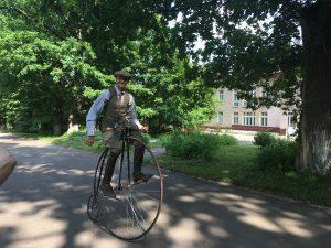 130-летний велосипед «Паук» (английское название «пеннифартинг»). Фото: Екатерина Глыбина.