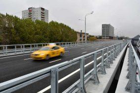 28 Сентября 2015 Мэр Москвы Сергей Собянин открыл этакаду на Волоколамском шоссе