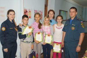 В детском лагере «Горки» подвели итоги конкурса рисунка на противопожарную тематику. Фото: Елена Лапшина.