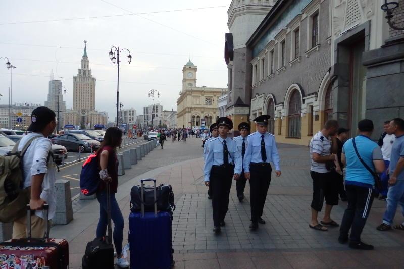 Пассажиров эвакуировали с Ленинградского вокзала