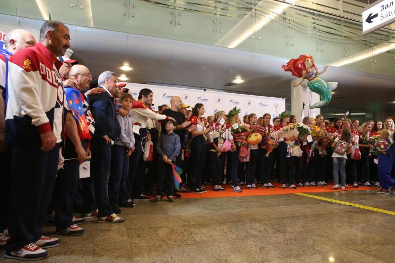 В Москве успешно приземлился второй рейс с олимпийскими спортсменами