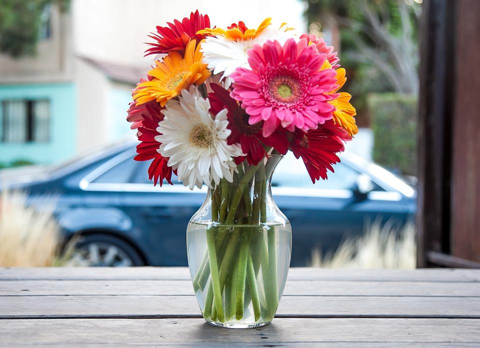 Ваза для цветов: витражное мастерство