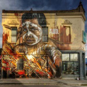 Париж (Франция). Индейский мальчик часто фигу- рирует в работах художника под псевдонимом Awol