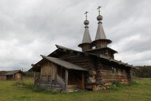 Эту церквушку в историческом урочище Введенское-Борисовка построили местные жители, воссоздав атмосферу XVIII века. Фото: Владимир Смоляков.