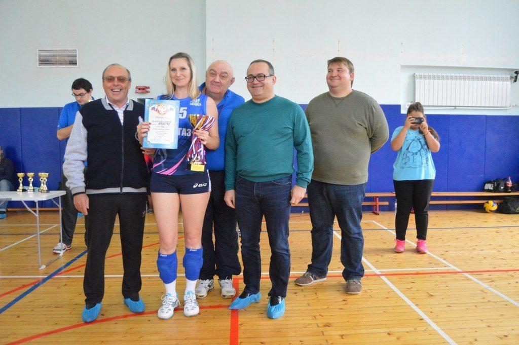 В Сосенском провели Кубок префекта по волейболу