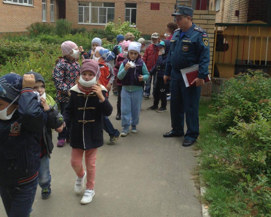 В детском саду №3 «Светлячок» Троицка прошла учебная эвакуация. Фото: пресс-служба Управления МЧС по ТиНАО
